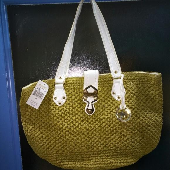 b7004e6c9748ef Michael Kors Bags | Nwt Santorini White Large Basket Tote | Poshmark